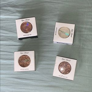 NEW IN BOX! eyeshadows shimmer! BUNDLE AND SAVE!
